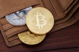 Người dùng rút Bitcoin ra khỏi các sàn giao dịch